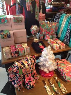 Stocking stuffers for #LillyHoliday