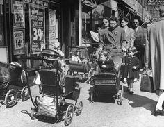 Sumner Avenue (now Marcus Garvey Boulevard) near Myrtle Avenue in Bed-Stuy, #Brooklyn, 1946. https://web.facebook.com/idealpropertiesgroup/photos/a.437113292977802.94994.113361655352969/1092884674067324/?type=3