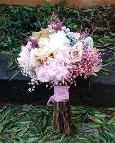 Ramo de novia de Flores en el columpio.