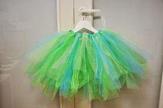 Meidän Pieni Ryyni: Superhelppo tyllihame - tutorial How to make a super easy ballerina dress. Ballerina Dress, My Photos, Tulle, Detail, Skirts, Diy, Super Easy, Dresses, Queens