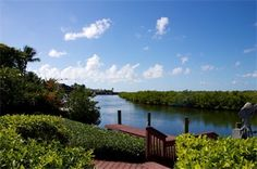 #FloridaKeys #WaterfrontHomes #OceanReefHomes This beautiful waterfront residence is the perfect family compound on Sunrise Cay with outstanding sunset views and quick access to the ocean or bay
