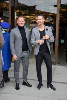 The Best Street Style Inspiration & More Details That Make the Difference Blazer Outfits Men, Casual Blazer, Casual Outfits, Men Casual, Trendy Mens Fashion, Mature Fashion, Stylish Men, Dapper Suits, Mens Suits