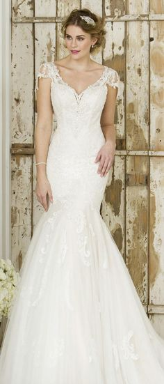 true bride lace wedding dress W244 #wedding #weddingdresses #vintagewedding