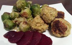 Kräuterfalafel mit Rosenkohl und roter Beete Multikulti zum Abendbrot: man nehme arabische Falafel dazu Rote Beete vom Mittelmeer und deutsc...