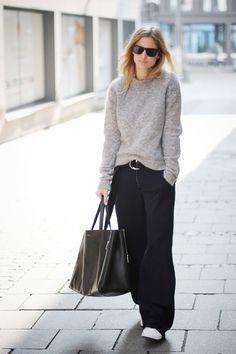 Pull gris duveteux, pantalon large, baskets blanches
