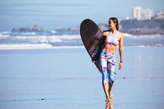 A French Girl's Guide to Surfing with Justine Mauvin Surf Bikini, Surfer Girls, Justine Mauvin, Snowboard, Skater Tattoos, Roxy, Skate Style, Surf Style, California Surf