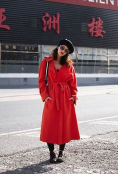 Ideas to wear berets of H&M, sneakers of SlowWalk, and H&M's trenches