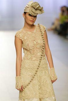 Irish crochet dress. Bellissimo sito russo con tanti schemi!