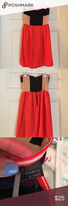 Pretty salmon color Dress🌺 Strapless dress in good condition! Zips in the back. Has grips inside the dress on the chest areas so it stays up good. No stains or loose pulls.          Smoke free home Sparkle & Fade Dresses Strapless