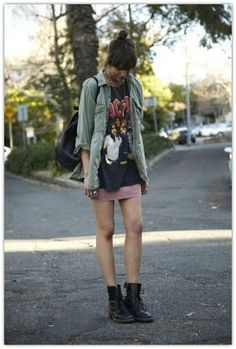 outfit ideas laid back grunge style x Grunge Goth, Hipster Grunge, Grunge Style, Soft Grunge, Nu Goth, Looks Street Style, Looks Style, Style Me, Blue Style