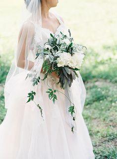 #novia #weddings #bohemianbride #bridestyle #weddinginspirations #vintagewedding #bride #weddingideas #brideandgroom #bridalcouture #weddingdress #weddinggown #bridesmaids #weddingday #bride #modernbride #hipsterbride