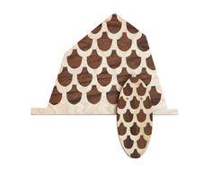 SIRJA KNAAPI-FI WORKS 2013-Cuckoo Materials: Birch veneer, teak veneer, metal Size: 130x130x20mm