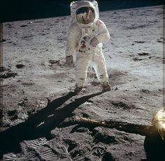 アポロ月面着陸の際に撮影された貴重な高解像度画像がFlickrで無料ダウンロード可能に - GIGAZINE
