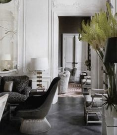 Awesome Interior Room Design for Relaxing in Parisian Apartment - French Interior, Classic Interior, French Decor, Home Interior, Interior Decorating, Scandinavian Interior, Decorating Ideas, Interior Styling, Decorating Websites