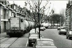 Zuidwestsingel Bergen op Zoom (jaartal: 1970 tot 1980) - Foto's SERC Rotterdam, Utrecht, Bergen, Diesel Locomotive, Body Wave, Public Transport, Netherlands, Dutch, Transportation