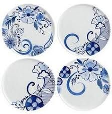 Margaret Berg Art: Contemporary blue and white plate set Painted Plates, Ceramic Plates, Porcelain Ceramics, Ceramic Pottery, Fine Porcelain, Porcelain Tile, China Painting, Ceramic Painting, Ceramic Art