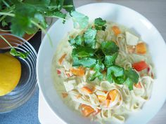 A'la Annn: Tulinen thaikeitto Fresh Rolls, Spaghetti, Food And Drink, Asian, Ethnic Recipes, Spaghetti Noodles