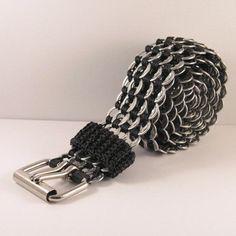 -pop tabs belt black crochet