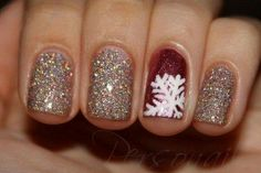 Beautiful holiday nails #nails #manicure #holiday #diy #snowflake #christmas