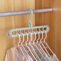 home decor videos Rotate Anti-skid Folding Hanger Diy Organisation, Closet Organization, Organizing, Home Decor Furniture, Diy Home Decor, Room Decor, Bedroom Closet Design, Interior Design Living Room, Home Gadgets