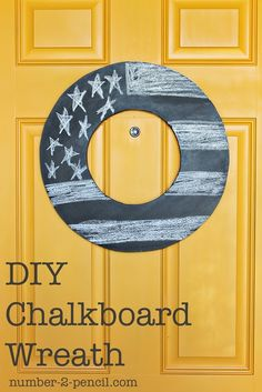DIY Chalkboard Wreath - Too fun!  And great when you are short on ideas or time..