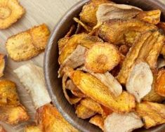 Chips ultra light de panais et de carottes : http://www.fourchette-et-bikini.fr/recettes/recettes-minceur/chips-ultra-light-de-panais-et-de-carottes.html