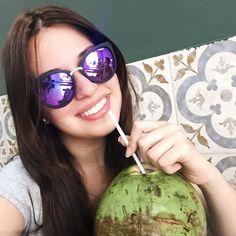 Bom diaaaa! Bora começar o dia com um sorriso e uma água de coco?!? Hahahah (foto do almoço de terça lá no @bentonatureba )