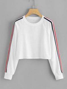 To find out about the Stripe Tape Detail Crop Pullover at SHEIN, part of our latest Sweatshirts ready to shop online today! Girls Fashion Clothes, Teen Fashion Outfits, Fall Outfits, Womens Fashion, Crop Top Outfits, Cute Casual Outfits, Crop Pullover, Ellesse, Hoodie Outfit