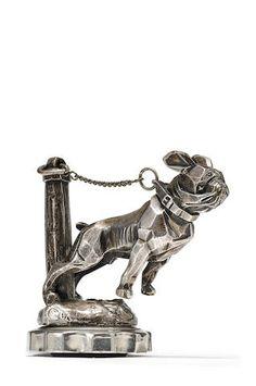 Mascotte « Bouledogue enchaîné » par Marvel, fabrication française, années 1920,