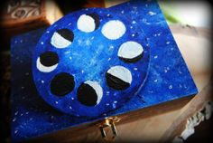 Moon phases musicalbox #moonphases #carillon #musicbox  #moonlovers #wiccan #modernwitch