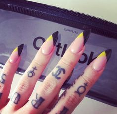 Black tips with a pop of yellow