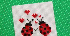 24 σχέδια με πασχαλίτσες για κέντημα σταυροβελονιά / Mονογράμματα με πασχαλίτσες 24 ladybug cross stitch patterns / L adybug cross s... Cross Stitch Sea, Cross Stitch Alphabet, Cross Stitch Embroidery, Cross Stitch Patterns, Craft Sites, Ladybug, Projects To Try, Sewing, Crafts