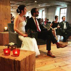 #Hochzeit im #Kaminzimmer des Golf Resort Achental. #winterhochzeit #seasonstart #wedding #letyourlovegrow #honeymoon #hochzeiten #chiemseehotel