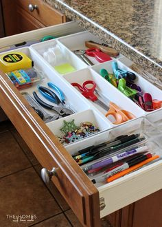 10 Tips For Perfectly Organized Kitchen Drawers