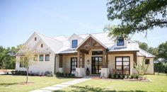 55 Beautiful Modern Farmhouse Exterior Ideas