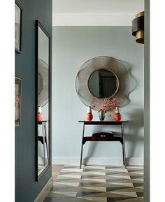 Russian duo Nadya and Givi Ananiev of eponymous design firm Ananiev  Interiors have created a colourful 9fa82b0f58de1