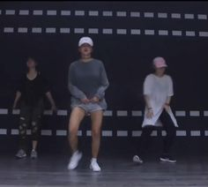 Hip Hop Dance Videos, Dance Music Videos, Dance Choreography Videos, Cool Dance Moves, Dance Tips, Lets Dance, Zumba Workout Videos, Baile Hip Hop, 1million Dance Studio