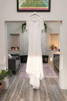 Same sex irish wedding photographer. Ivory Lace Wedding Dress, Wedding Dresses, Living In New Zealand, Irish Wedding, Alternative Wedding, Getting Married, Wedding Planning, Wedding Photography, Bride Dresses