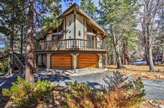 Huge 3BR Big Bear City Cabin w/Wifi, Extensive Front/Back Decks, 6-Person Hot Tub & Private Sledding Hill - Just 5 Minutes to Bear Mountain, Zoo, Tubing Park & Lake Access! #travel #bigbearlake