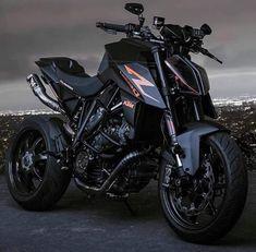 Hypest Cars Inspo by Mux Jasper Duke Motorcycle, Duke Bike, Bobber Motorcycle, Moto Bike, Ktm Duke, Yamaha Bikes, Motocross Bikes, Yamaha Motorcycles, Ktm Super Duke