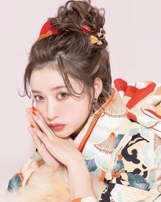 by dibujo Source by isabeldixonShop dibujoSource by dibujo Source by isabeldixonShop dibujo Kimono Japan, Japanese Kimono, Kimono Fashion, Girl Fashion, Hair Arrange, Hair Reference, Japanese Outfits, Yukata, Japan Fashion