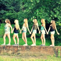 cool photoshoot ideas for friends - Google Search