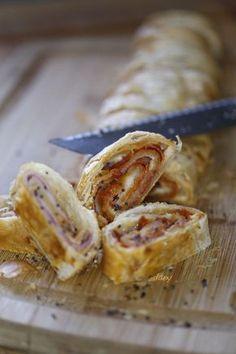 feuilleté jambon, chorizo et comté au pavot