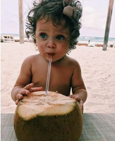 baby nutrition in avocado - Nutrition Cute Little Baby, Little Babies, Baby Love, Cute Babies, Baby Kids, Cute Family, Baby Family, Wanting A Baby, Foto Baby
