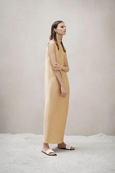 The Row Pre-Fall 2015 Runway – Vogue