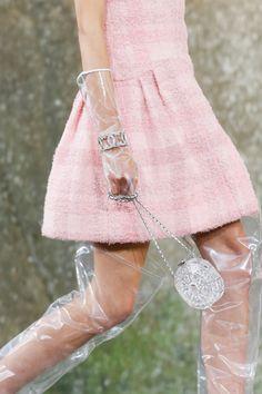 Chanel #VogueRussia #readytowear #rtw #springsummer2018 #Chanel #VogueCollections