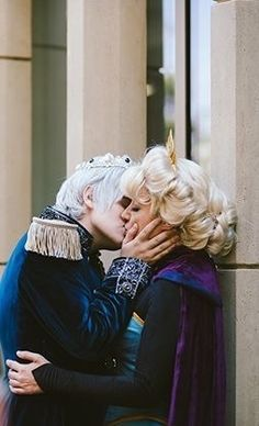 Image in Jelsa collection by Winter Frost on We Heart It Frozen Cosplay, Elsa Cosplay, Disney Hogwarts, Sailor Moon Background, Jack Frost And Elsa, Disney Couples, Disney Facts, Queen Elsa, The Big Four