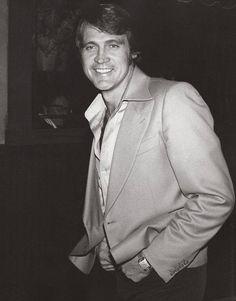 Lee Majors 1977