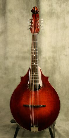 Eastman DGM-3 (Dawg model) Mandola, modern reproduction of a classic 2-point Lyon and Healy mandola. Adore that scroll headstock!