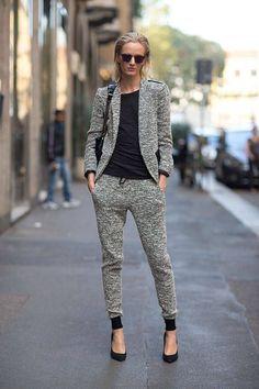 Si consigues un blazer que le haga juego, estás lista: | 22 Formas de usar pantalones de ejercicio para ir a trabajar